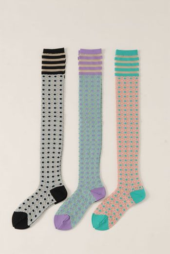 SS13 DOT CROSS KNEE SOCKS